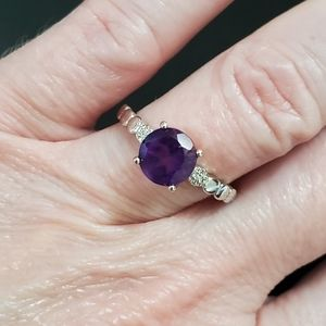 Jewelry - Sterling silver amethyst & diamond ring